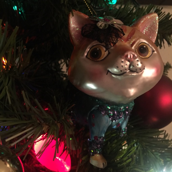 My glittery kitty ornament in all her glory.