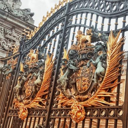 Gates @ Bcukingham Palace.